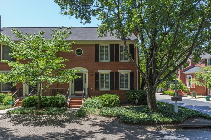 zercher-homes-902-defoors-mill-circle-FrontOfHouse1